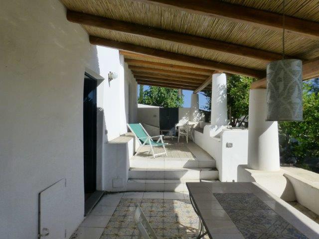 24 cavallo di fuoco stromboli case vacanze for Piani di patio